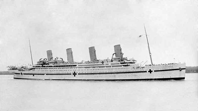 病院船ブリタニック号