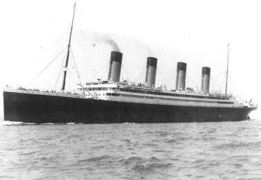 豪華客船タイタニックの姉妹船オリンピック、Uボートを体当たりで撃沈す! (1918年)